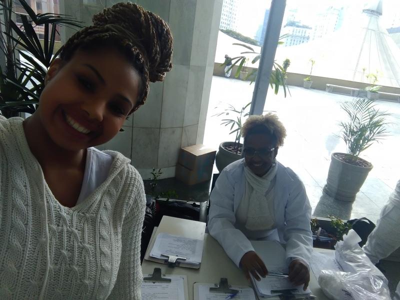 Com minha aluna em estágio de massoterapia... outros massoterapeuta docente / professor(a)