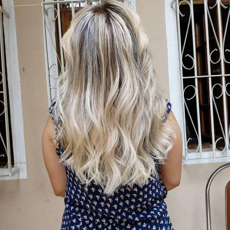 Mechas blond cabelo cabeleireiro(a) auxiliar cabeleireiro(a)
