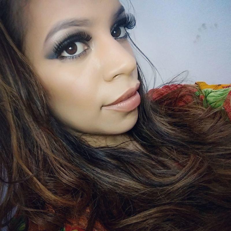 maquiagem esteticista consultor(a) designer de sobrancelhas recepcionista vendedor(a) depilador(a) maquiador(a) micropigmentador(a)