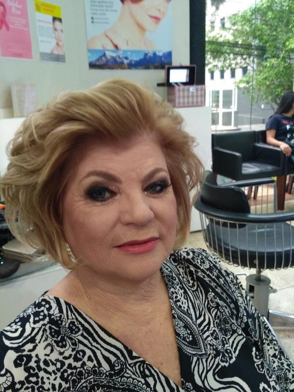 Maquiagem e cabelo!  maquiagem cabeleireiro(a) stylist / visagista maquiador(a)