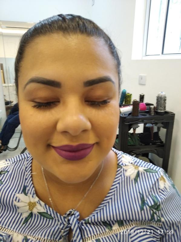 Make-up maquiagem cabeleireiro(a) barbeiro(a) maquiador(a) designer de sobrancelhas depilador(a)