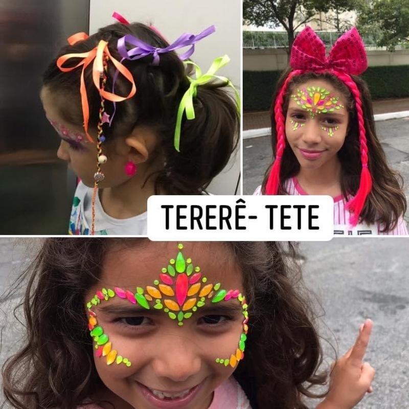 Baile de Carnaval infantil.  maquiagem cabeleireiro(a) maquiador(a)