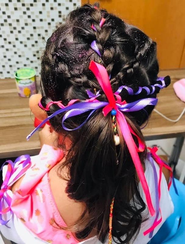 Penteado Infantil com fitas . cabelo cabeleireiro(a) maquiador(a)