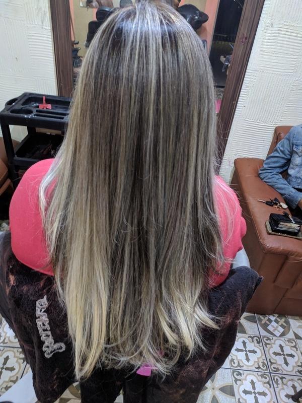 Luzes.....  cabelo auxiliar cabeleireiro(a) cabeleireiro(a)