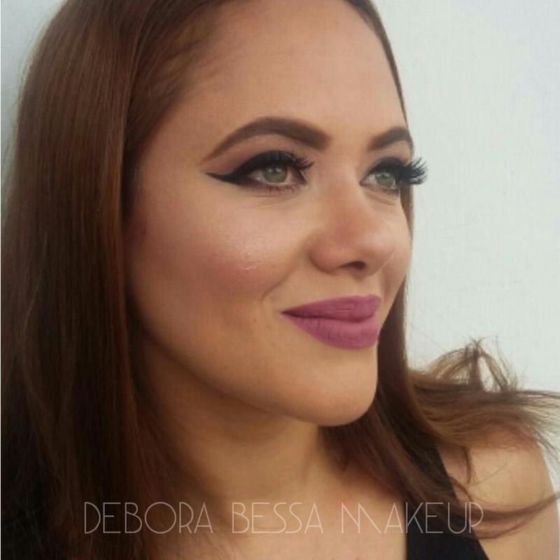 Make romântica e delicada maquiagem maquiador(a) designer de sobrancelhas cabeleireiro(a)