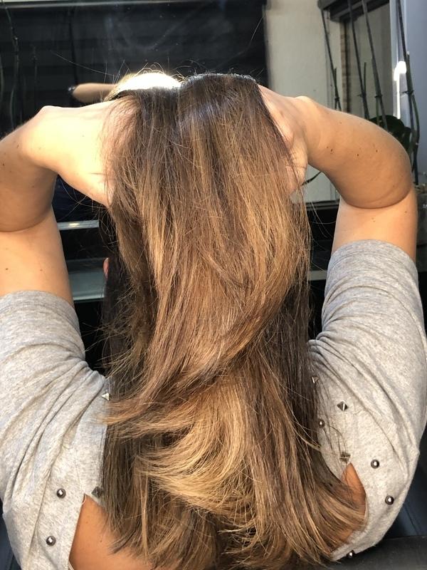 Morena iluminada  cabelo cabeleireiro(a) designer de sobrancelhas