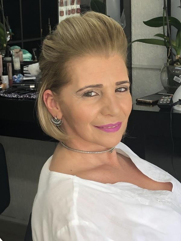 maquiagem cabeleireiro(a) designer de sobrancelhas