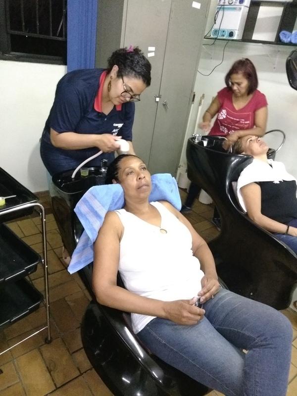 1° Aula de Hidratação com Escova | Técnica de Hidratação com cabelos Escovados | Treinando com os Colegas | Aula de Técnicas de Cabelo | Professora Josi | #Hidratação #HidrataçãoComEscova #Escova #EscovaModelada #JosianeRibeiro #CENLEP2019 #CENLEP #CenlepNossoLar #NossoLar #AssistenteDeCabeloIII 💕💆🏼💇🏻✂️📚 cabelo auxiliar cabeleireiro(a) designer de sobrancelhas recepcionista auxiliar administrativo depilador(a) outros