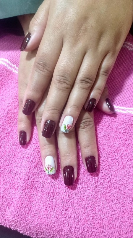 Unha feita no nosso curso de Manicure #manicure #maoslindas #cursodemanicure #diferencial #belezadasunhas unha empresário(a)