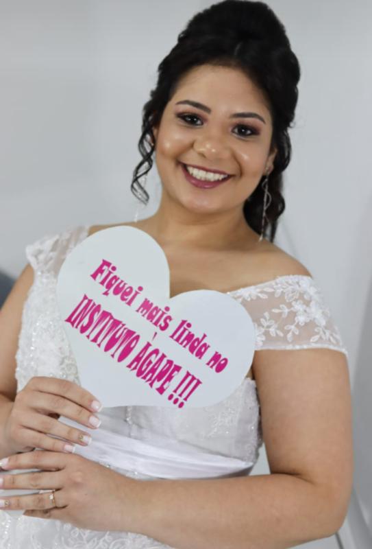 Noivinha linda ! #noiva #fiquelinda #diadenoiva #trabalhoprofissional cabelo empresário(a)