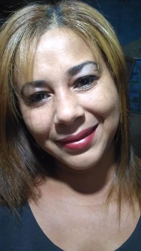 Maquiagem dia e cabelos loiros claro acinzentado cabelo maquiador(a) designer de sobrancelhas manicure e pedicure massagista cabeleireiro(a) outros