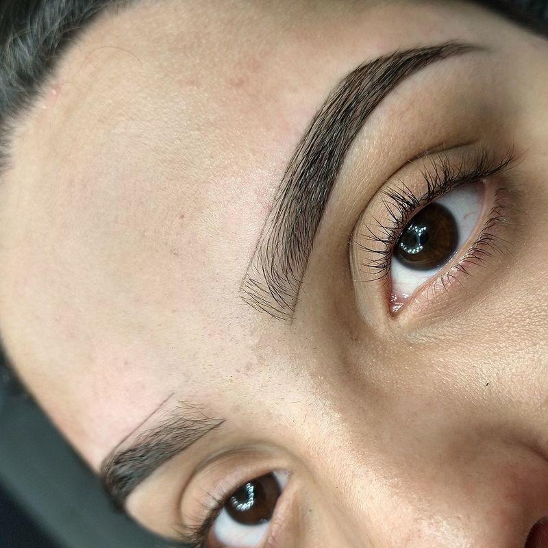 Mapeamento para aplicação de henna designer de sobrancelhas