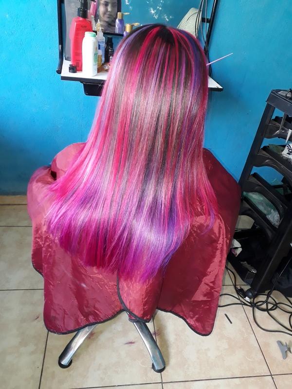 Mechas coloridas cabelo cabeleireiro(a)