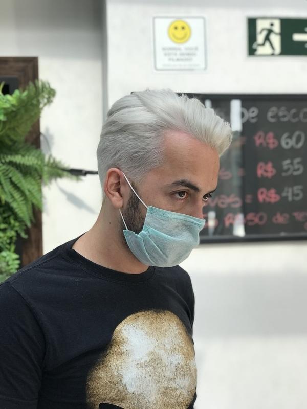 Descoloração global.  cabelo cabeleireiro(a) stylist / visagista