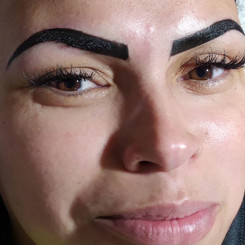 Embelezamento do olhar outros micropigmentador(a) designer de sobrancelhas assistente maquiador(a) auxiliar de limpeza maquiador(a) recepcionista