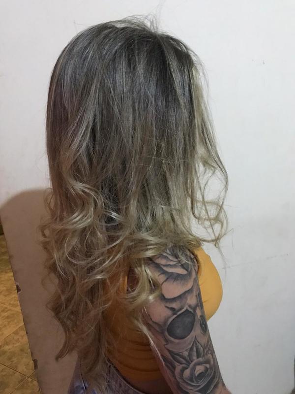 Mechas na touca cabelo auxiliar cabeleireiro(a) escovista cabeleireiro(a)